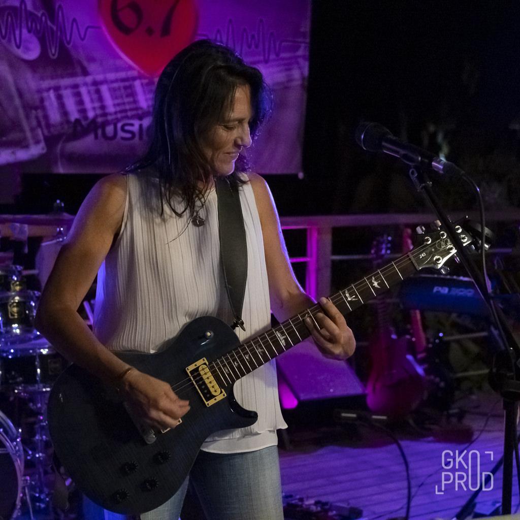 Guitariste Serena Concert Play'hers Bénitier Octobre 2019